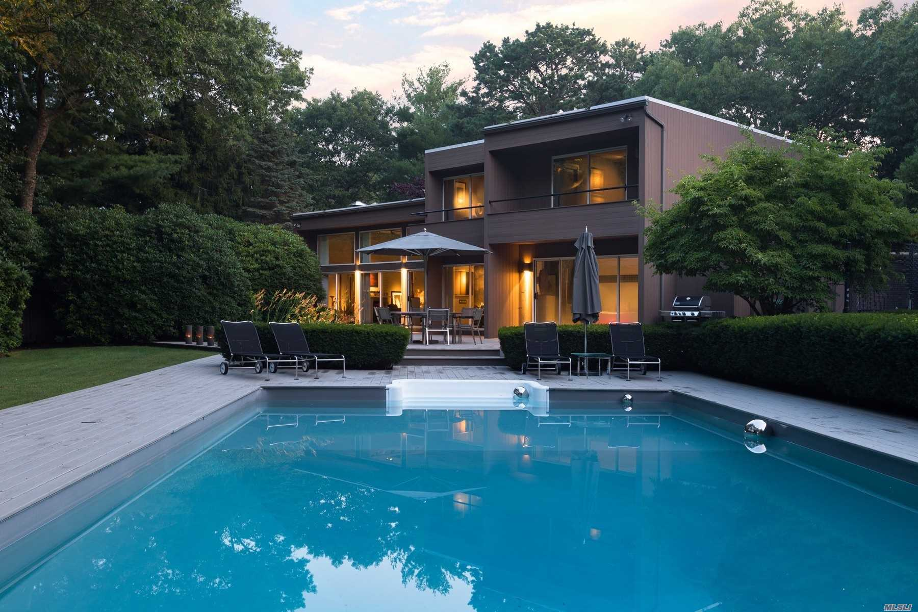 Residencial à venda em 9 Bluejay Way, E. Quogue, NY ,11942  , EUA