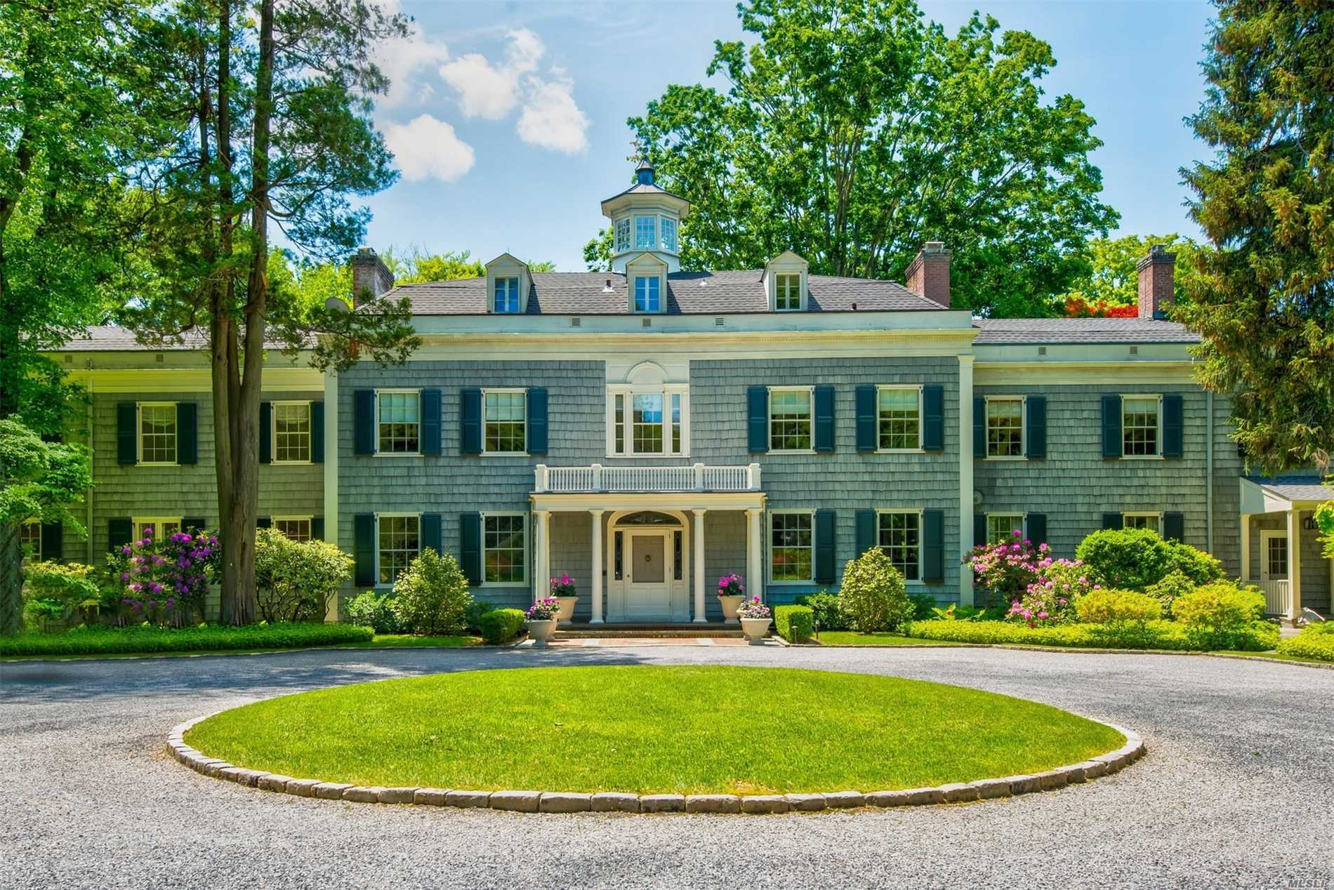 Residencial à venda em 58 Piping Rock Road Rd, Locust Valley, NY ,11560  , EUA