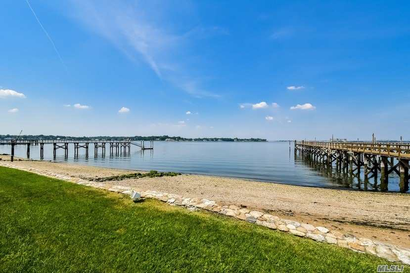 Residencial à venda em 16 Plum Beach Point Rd, Sands Point, NY ,11050  , EUA