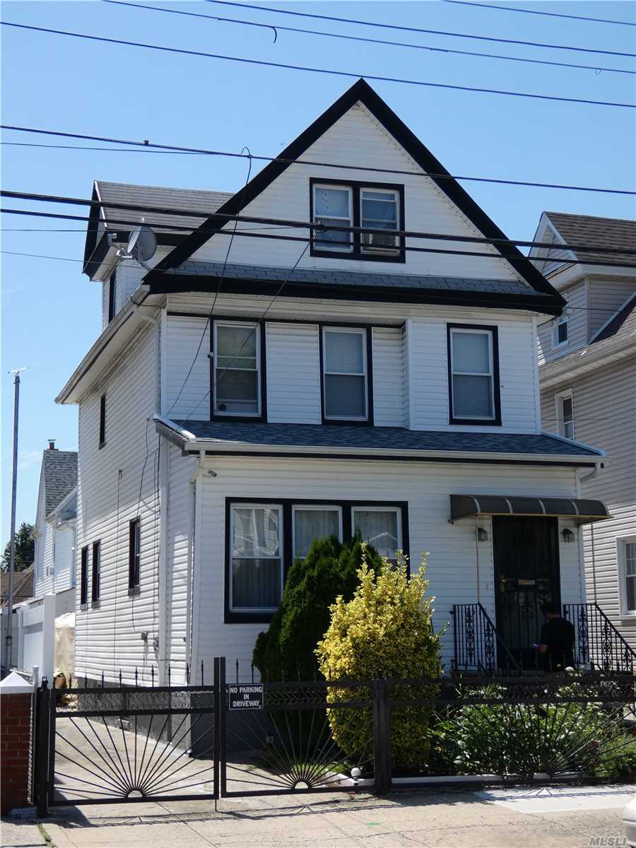 Residencial à venda em 95-18 108th St, Richmond Hill S., NY ,11419  , EUA
