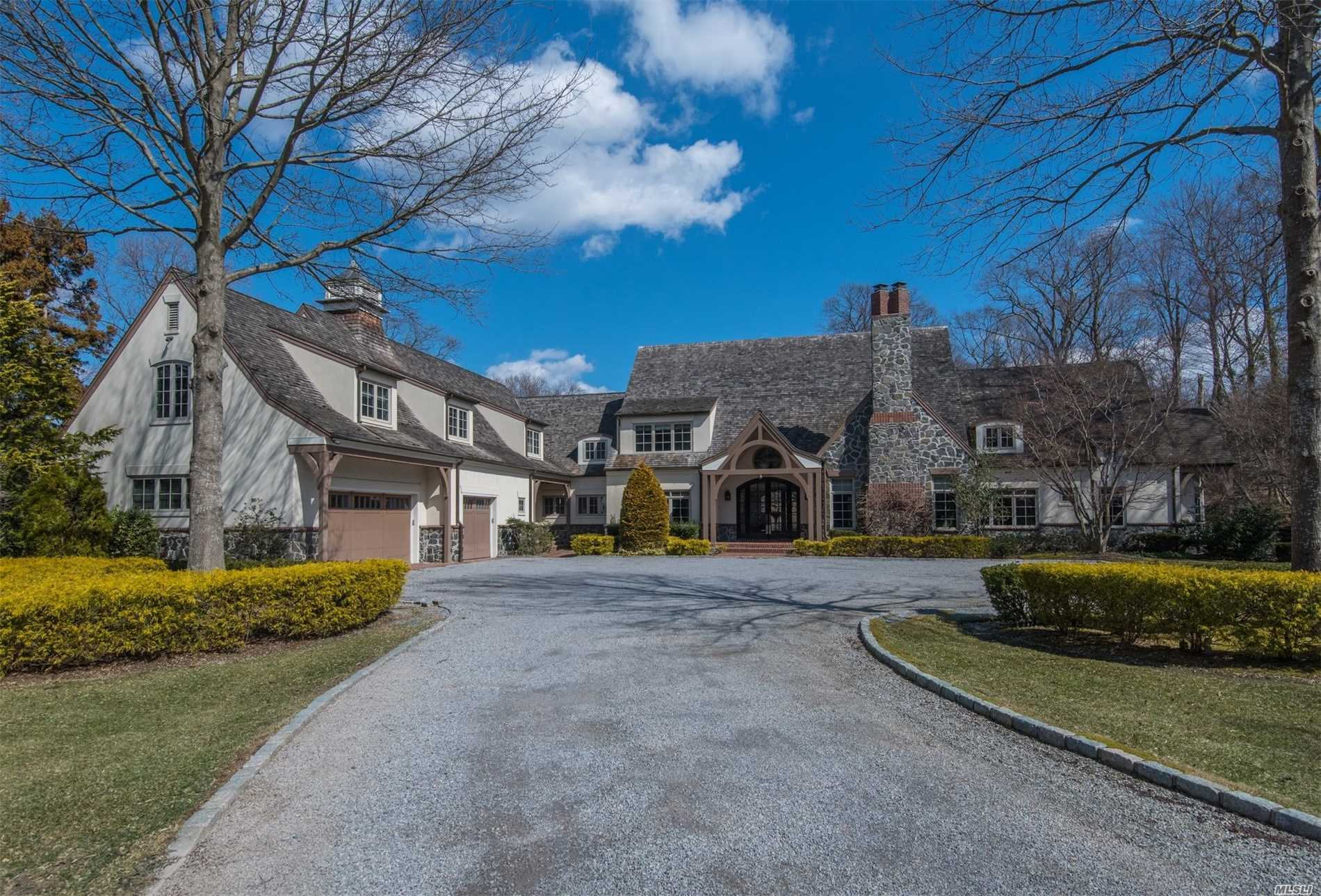 Residencial à venda em 3 Saddle Ridge Rd, Old Westbury, NY ,11568  , EUA