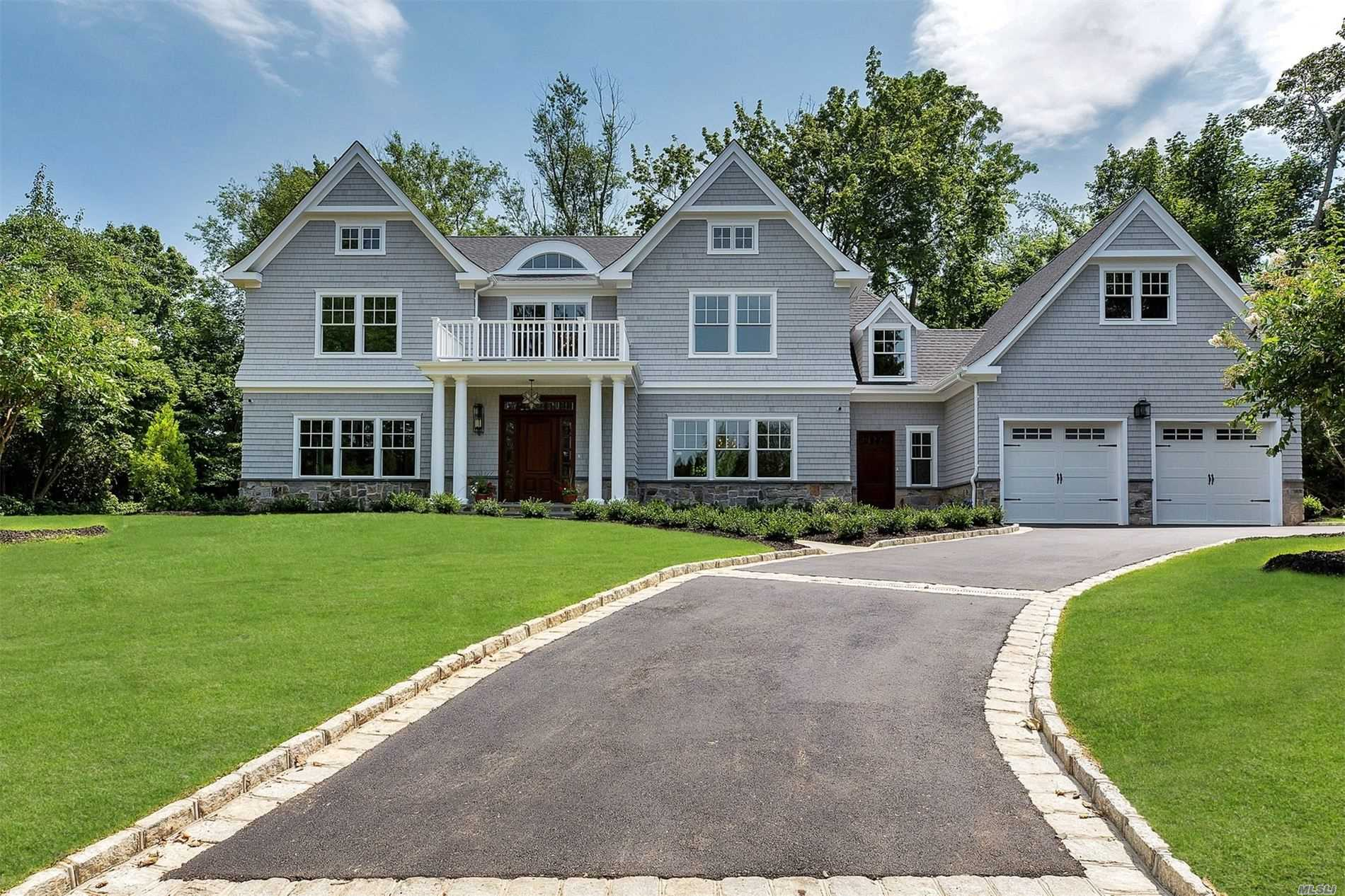 Residencial à venda em 53 Country Club Dr, Port Washington, NY ,11050  , EUA