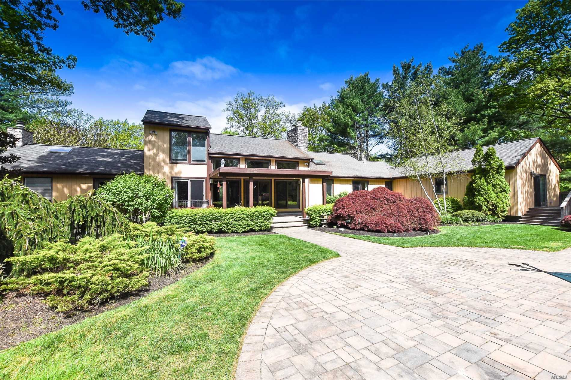 Residencial à venda em 1 Frances Ln, Port Jefferson, NY ,11777  , EUA