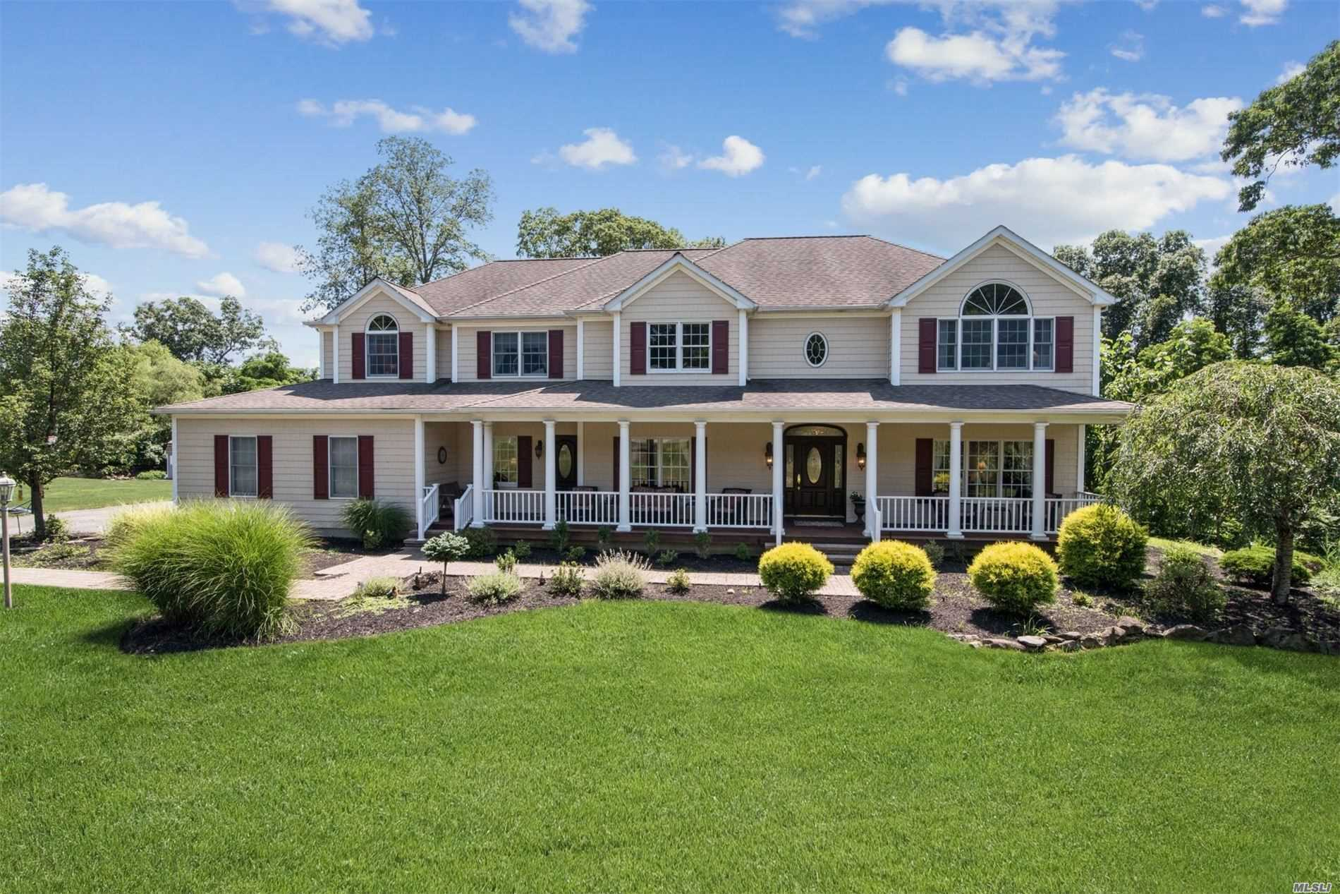 Residencial à venda em 61 Cambridge Ct, Wading River, NY ,11792  , EUA