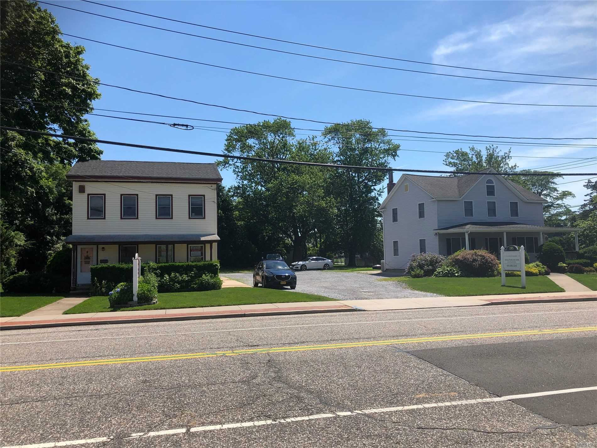 Residencial à venda em 195/199 Blue Point Ave, Blue Point, NY ,11715  , EUA