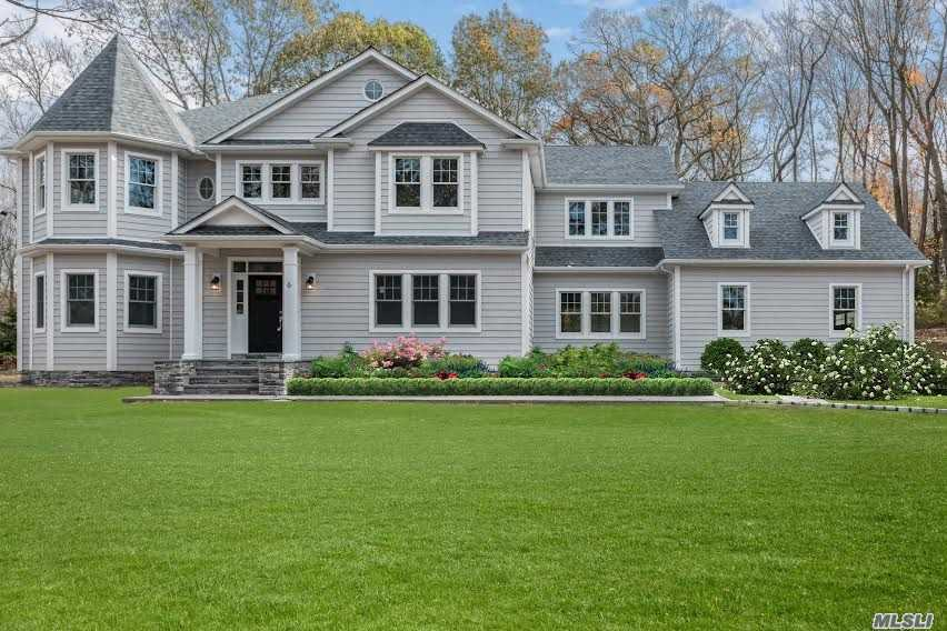Residencial à venda em 6 Springwood Path, Laurel Hollow, NY ,11791  , EUA