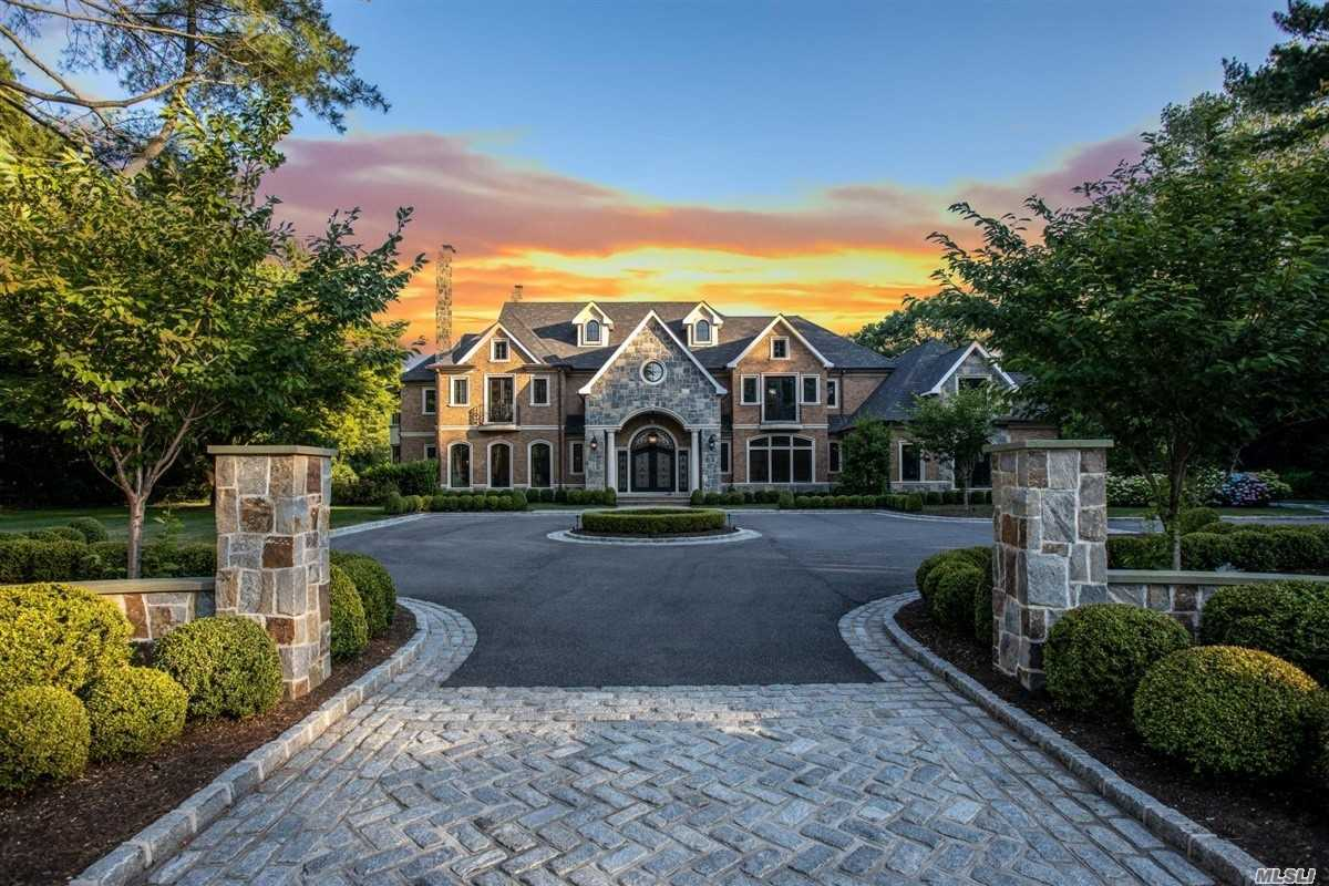 Residencial à venda em 4 Waylor Lane, Laurel Hollow, NY ,11791  , EUA