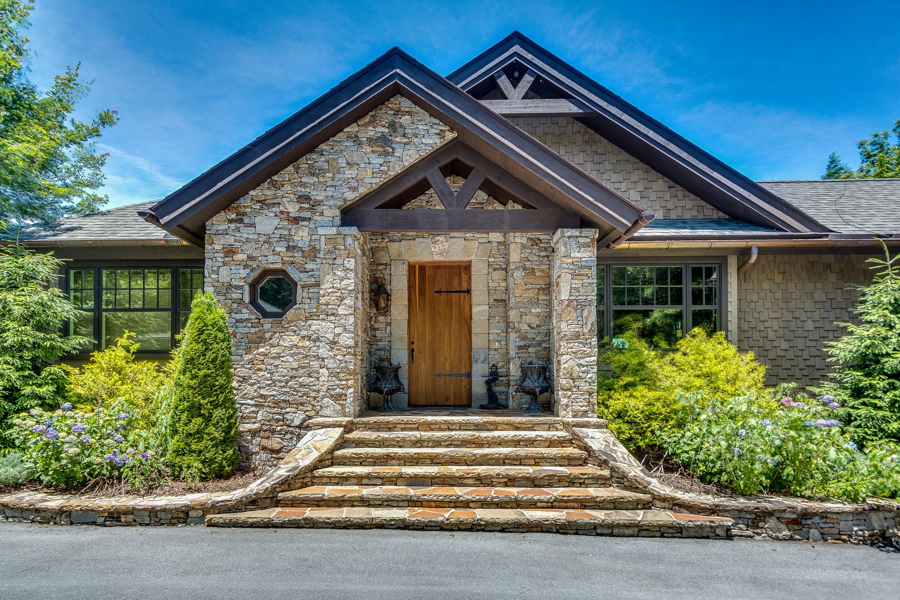 Casa unifamiliar Para Venda em 919 Garnet Rock Trail, Highlands, NC ,28741  , EUA